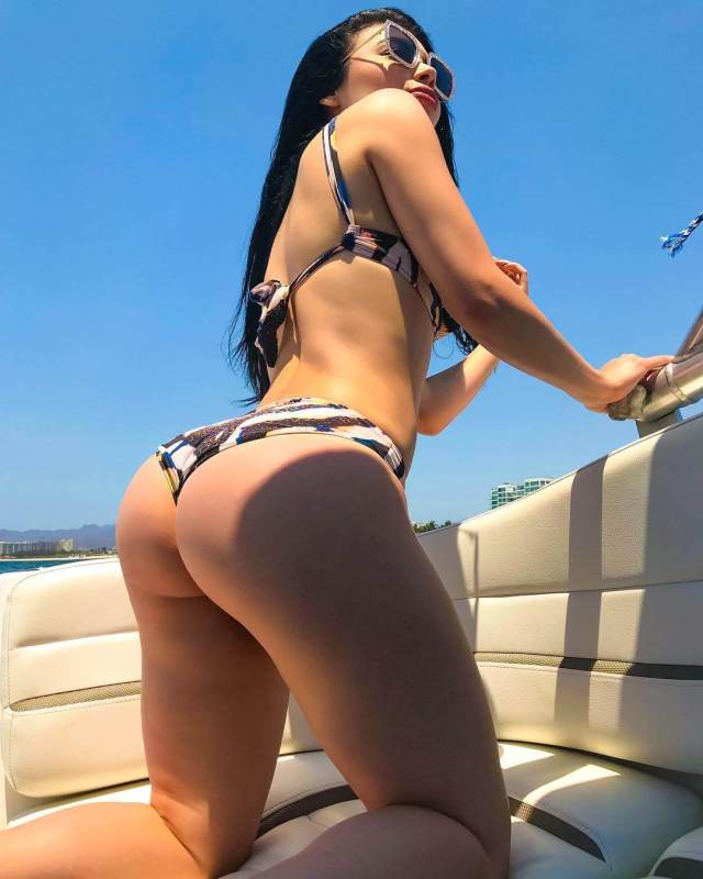 tracy saenz awesome ass
