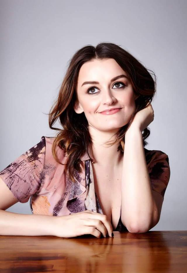 Alison Wright side boobs