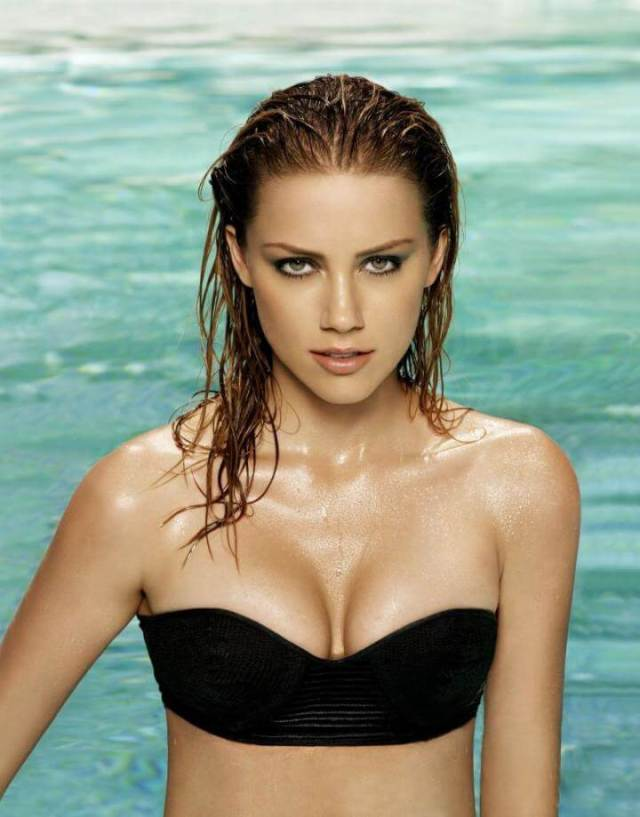 Amber Heard sexy busty pictures (2)