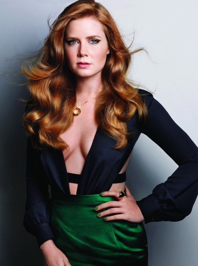 Amy Adams cleavage pic