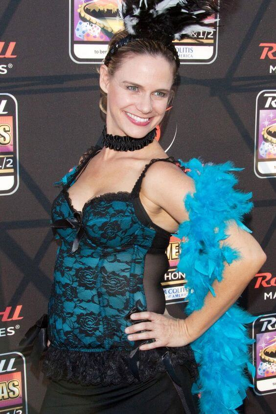 Andrea Barber cleavage