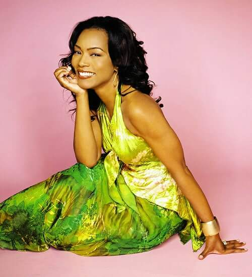Angela Bassett sexy picture