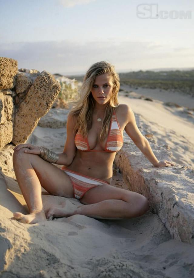 Brooklyn-Decker-sexy-pictures
