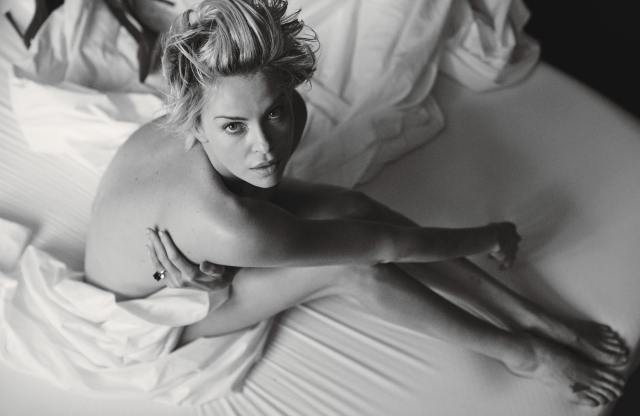 Charlize-Theron-Sexy-hot