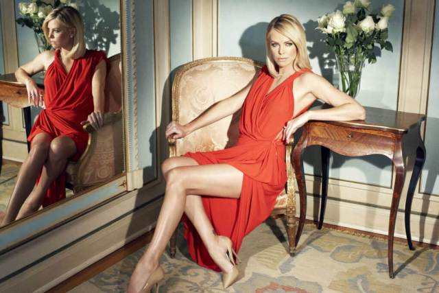 Charlize-Theron-sexy-thighs-pic-