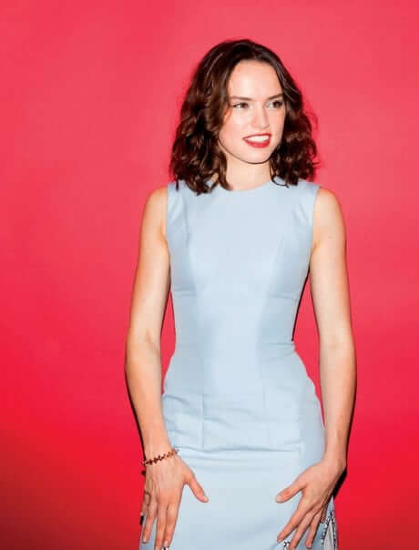 Daisy Ridley sexy smile (2)