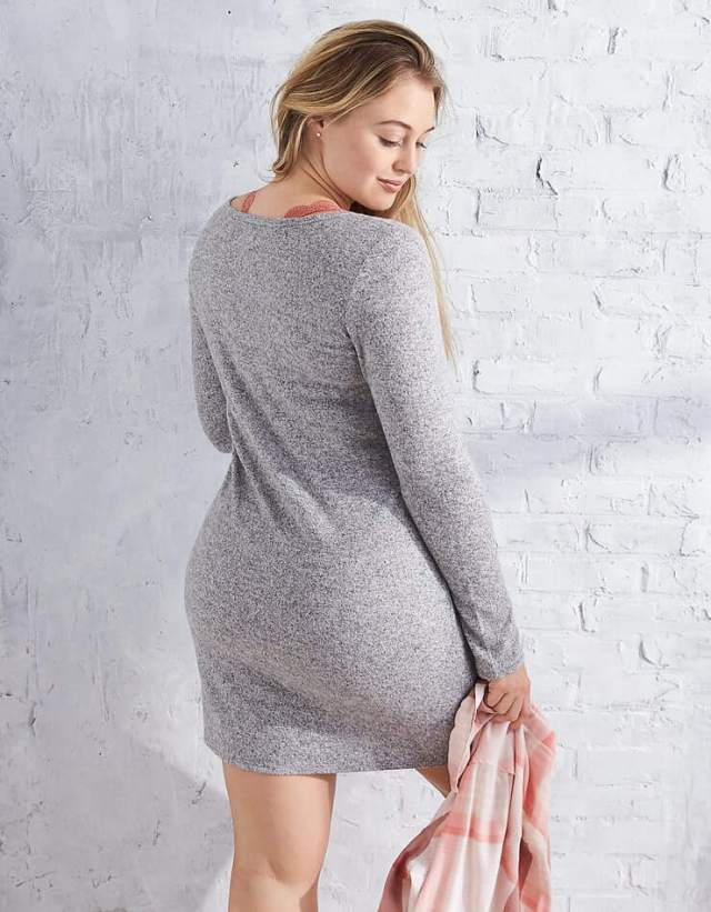 Iskra lawrence sexy thigh (2)