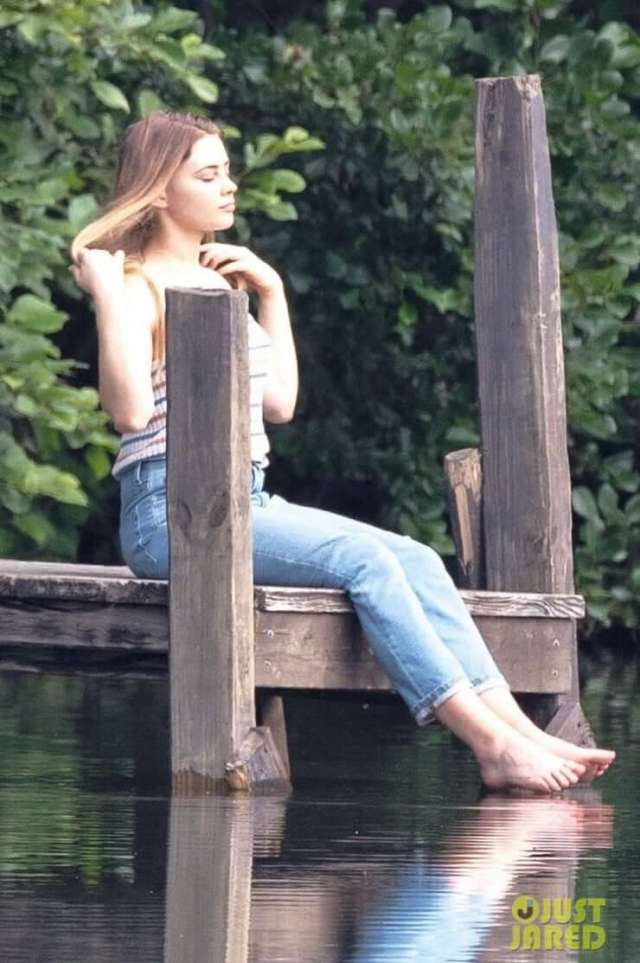 Josephine Langford lovely picture (2)