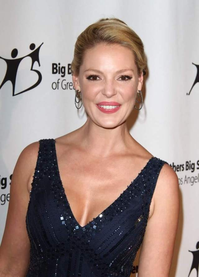 Katherine Heigl hot cleavages picture