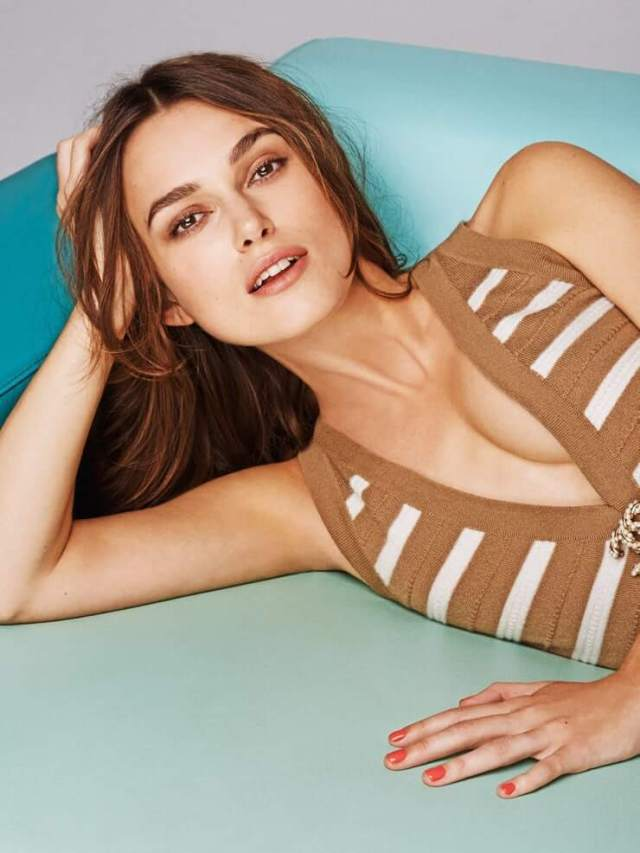 Keira Knightley sexy cleavages picture