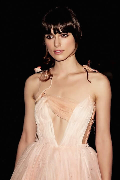 Keira Knightley sexy cleavages pictures