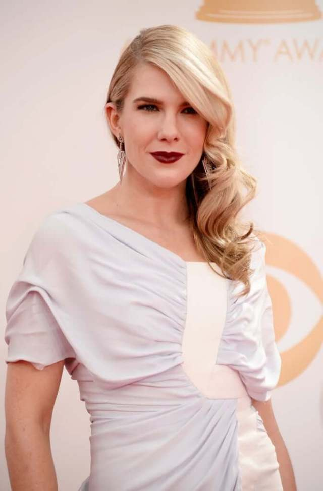 Lily Rabe sexy red licps