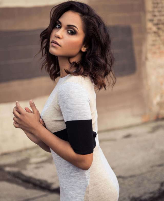 Monica Raymund sexy side pictures