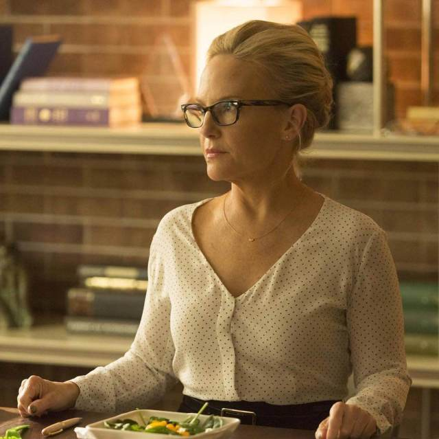 Rachael Harris hot side photo