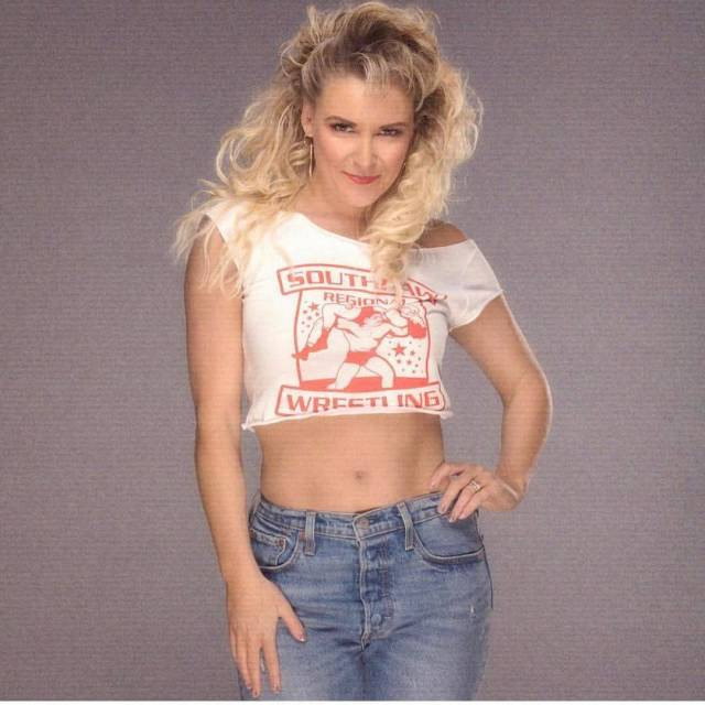 Renee Young pictures