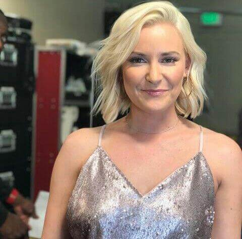 Renee-Young-sexy-busty-pictures