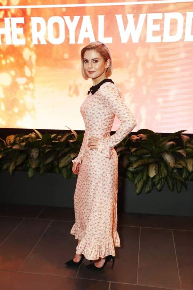 Rose McIver long white dress pic