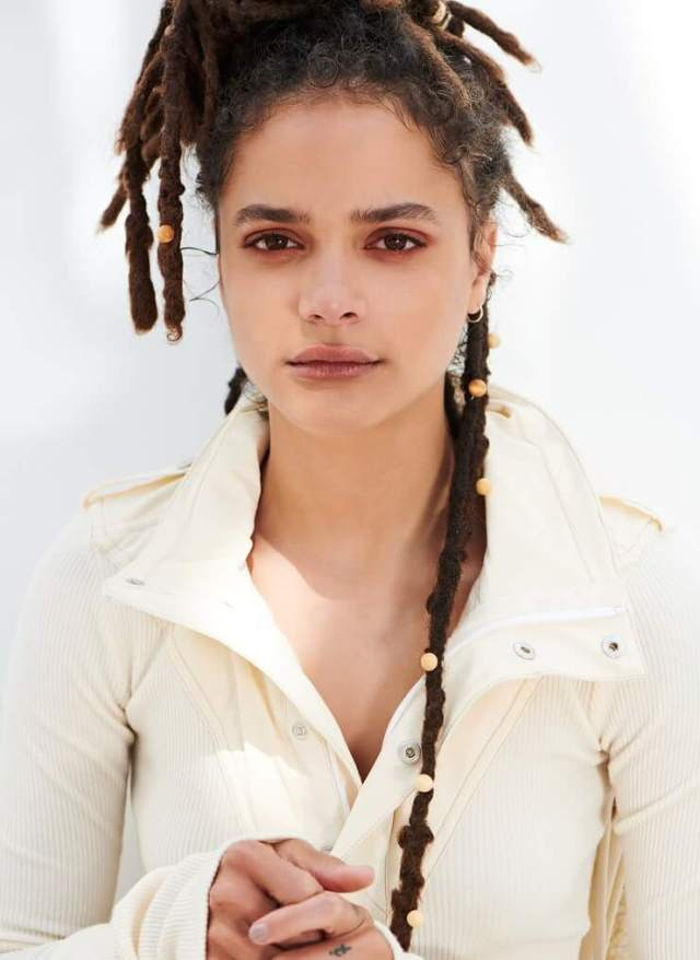 Sasha Lane hot dressup (2)
