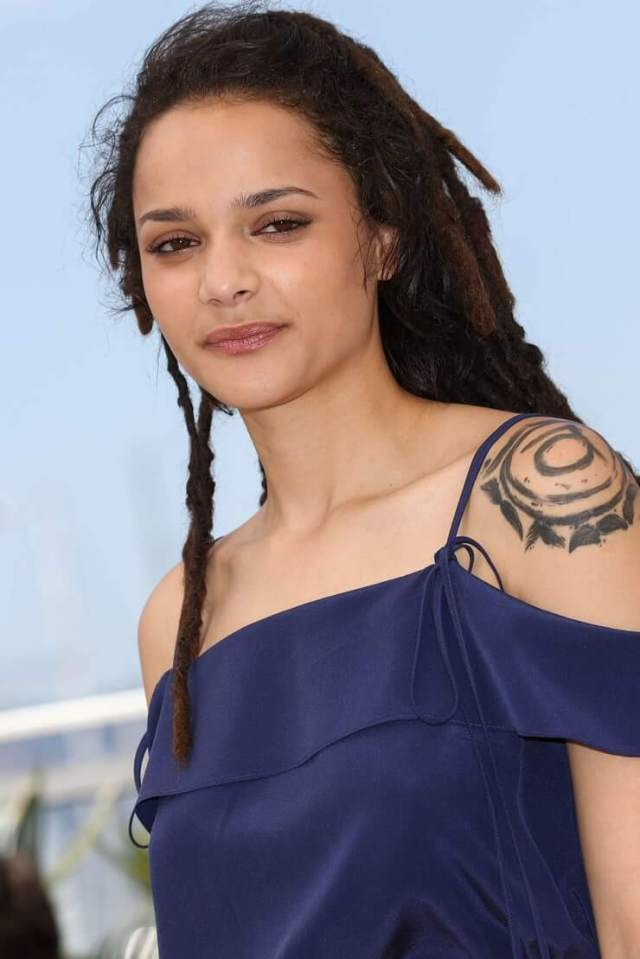 Sasha Lane sexy figure picture (2)