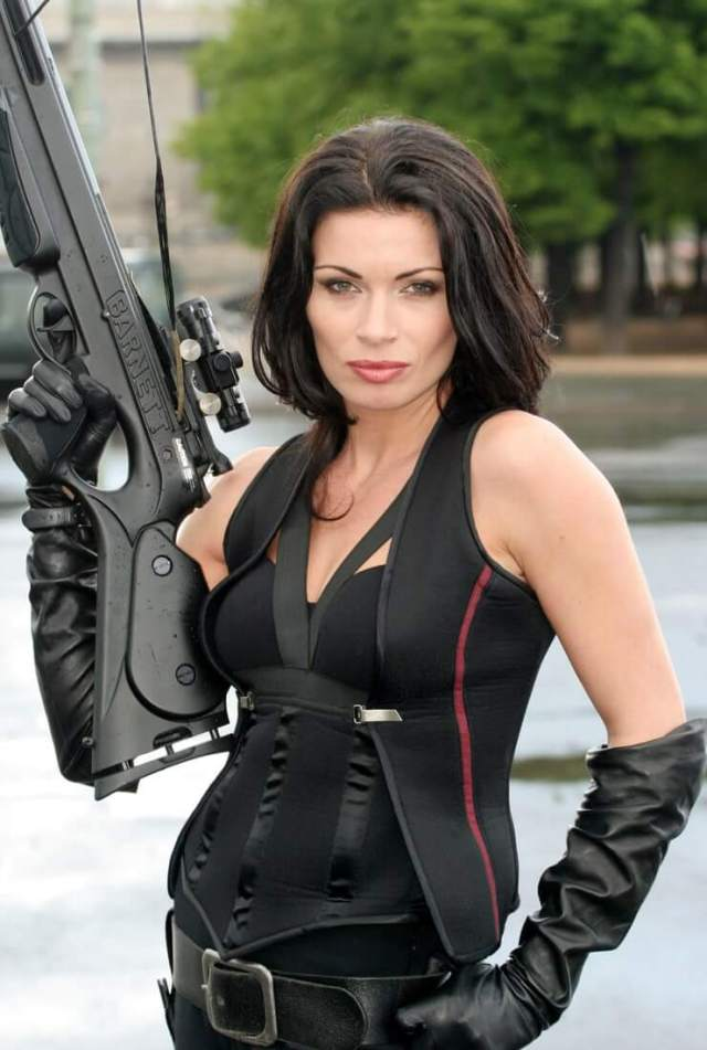 alison king with gun