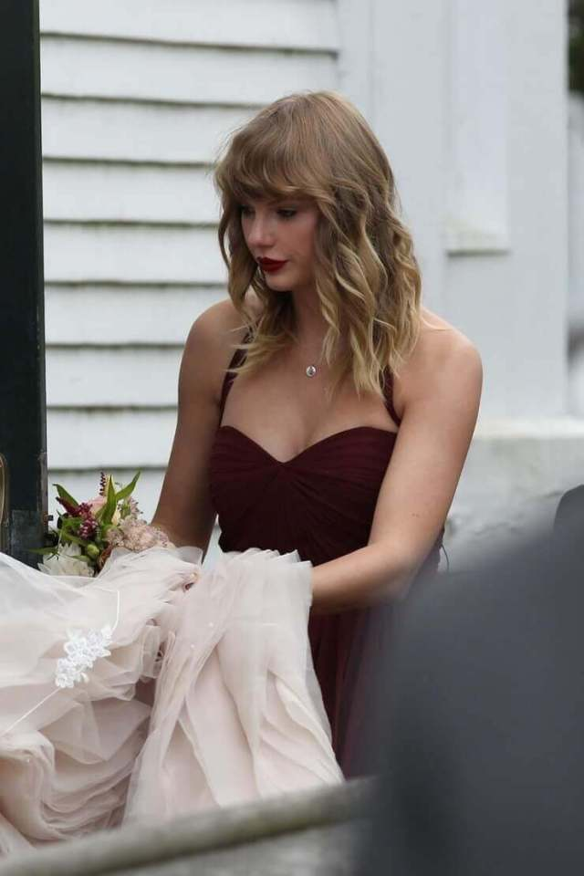 taylor swift hot look
