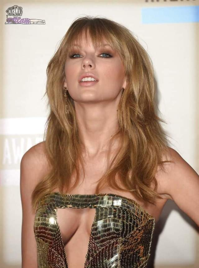 taylor swift sexy cleavage pictures