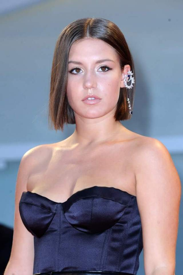 Adèle Exarchopoulos sexy busty pic (2)
