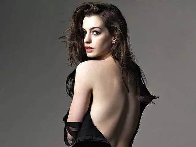 Anne Hathaway nude pic
