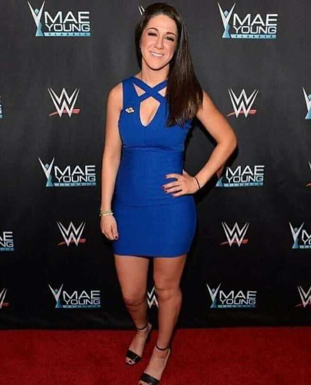 Bayley-hot-cleavages