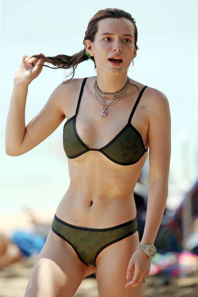Bella Thorne sexy navel pictures