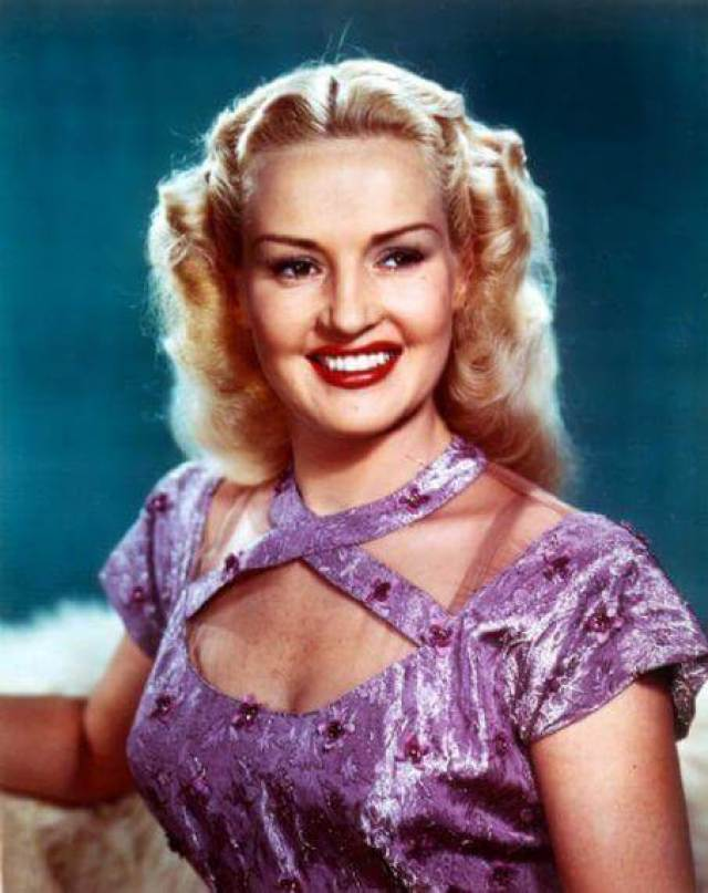 Betty Grable hot pictures (2)