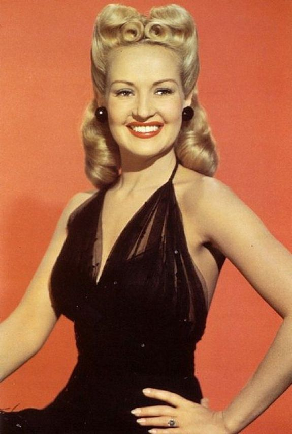 Betty Grable sexy cleavage