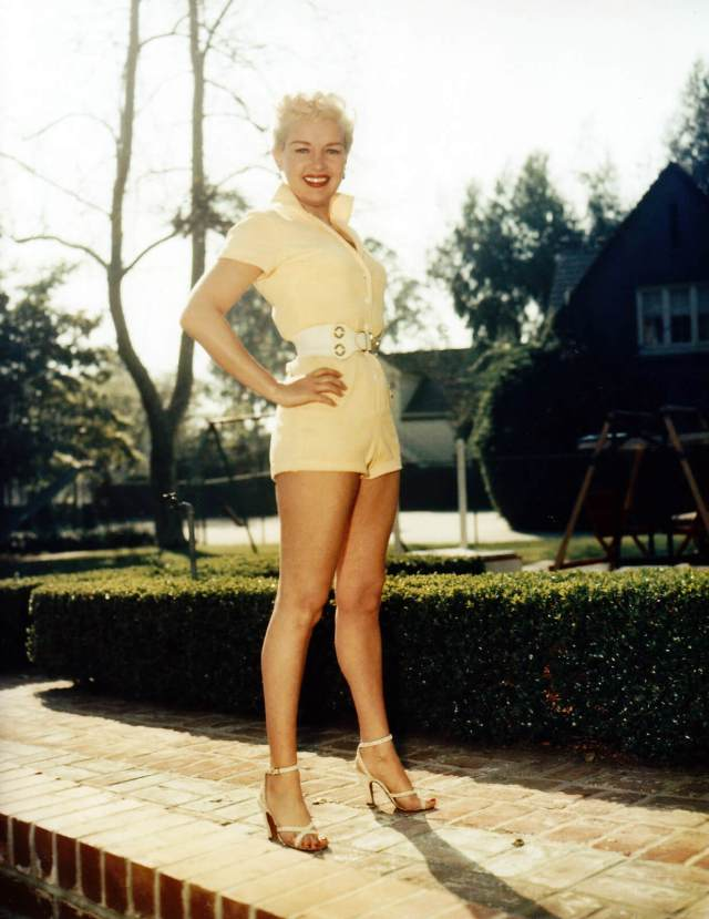 Betty Grable thighs pics