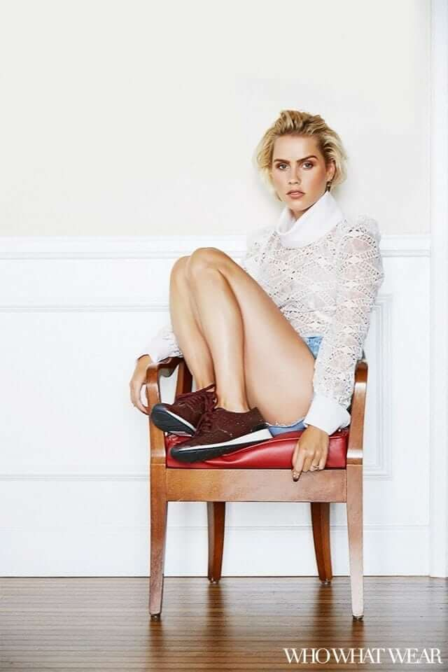 Claire Holt hot feets (2)
