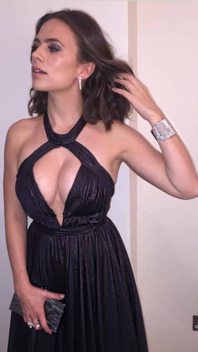 Hayley Atwell hot cleavage pictures