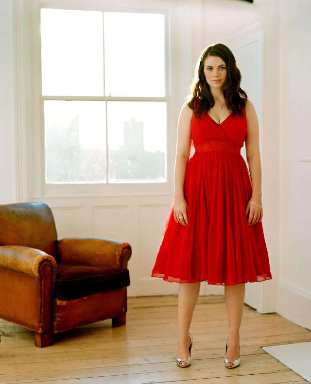 Hayley Atwell sexy red dress pics
