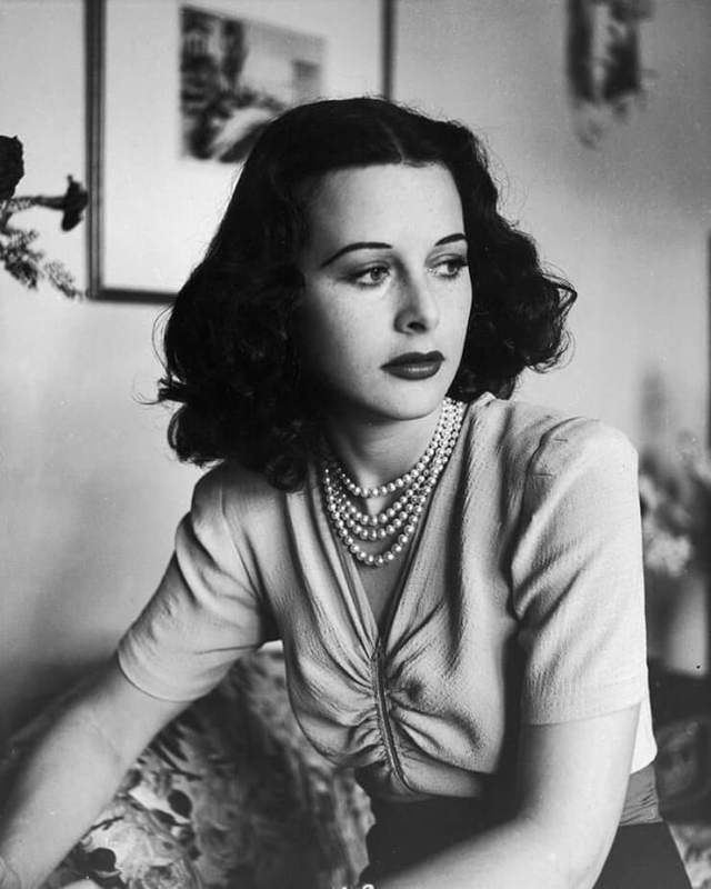 Hedy Lamarr hot pictures
