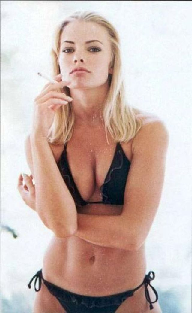 Jaime Pressly hot look pictures (2)