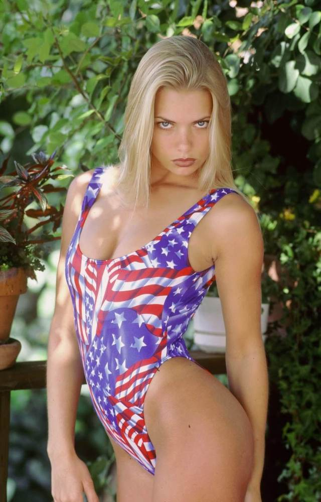 Jaime Pressly hot look pictures (4)