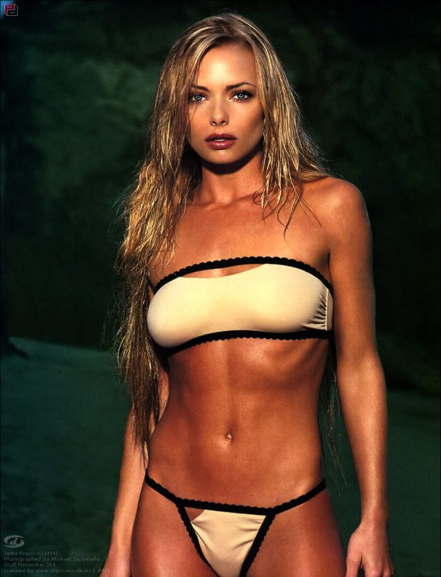 Jaime Pressly sexy cleavage (4)
