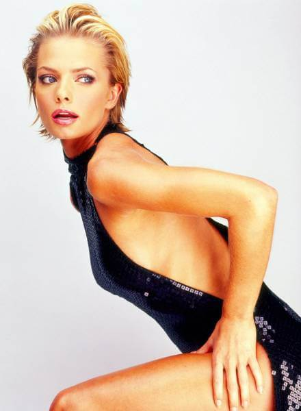 Jaime Pressly sexy look pictures (2)