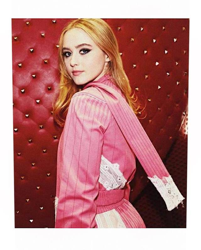 Kathryn Newton hot side photo