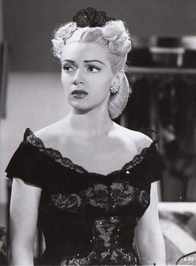 Lana Turner hot pictures (2)