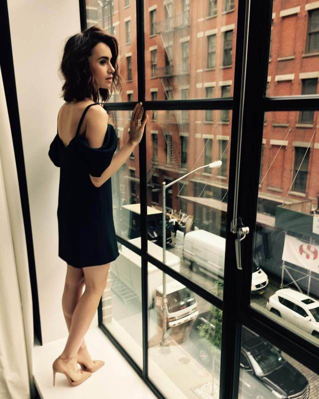 Lily Collins awesome pics (4)
