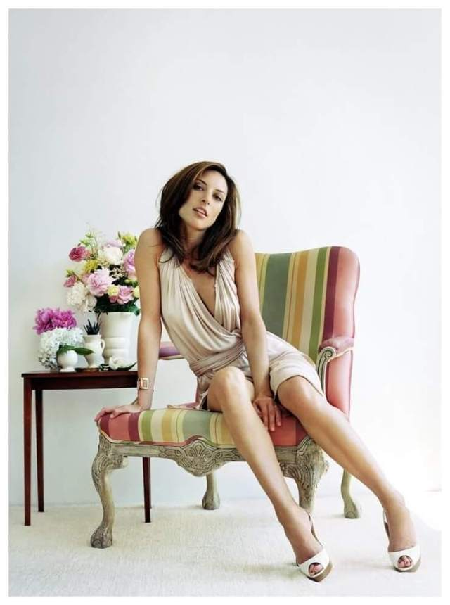 Lola Glaudini hot pictures (1)