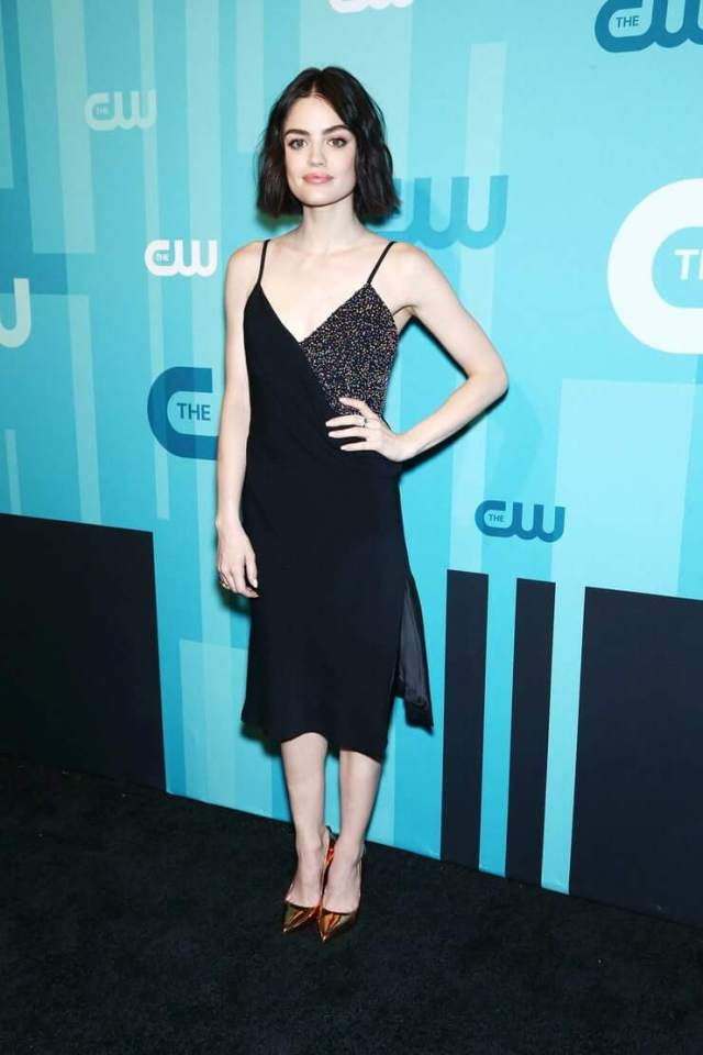 Lucy Hale hot cleavage pictures (1)
