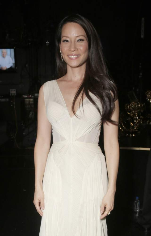 Lucy Liu sexy picture