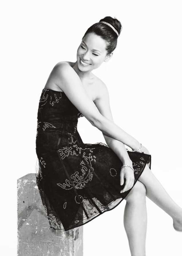 Lucy Liu sexy pictures (3)