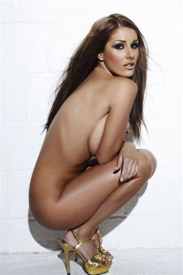 Lucy Pinder hot side boobs