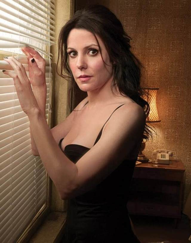 Mary-Louise Parker hot picture